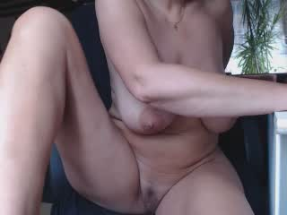 anjadcup on 2021-10-13 at Xlovecams