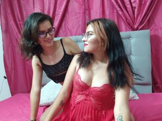 camilleandsophiefox on 2021-10-09 at Xlovecams