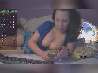 hotlioness on 2021-10-10 at Xlovecams
